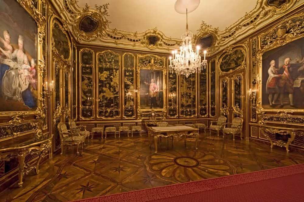 schonbrunn room