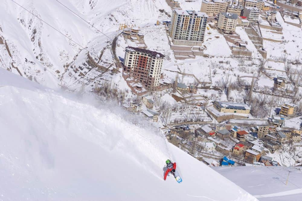 Snowboarding in Shemshak