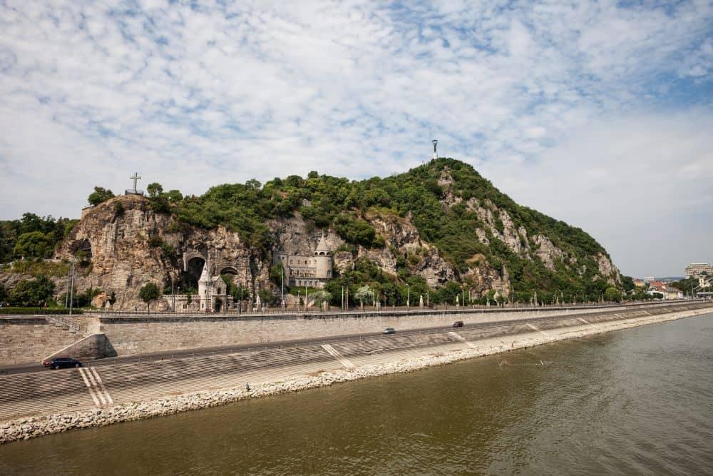 dealul gellert obiective turistice budapesta