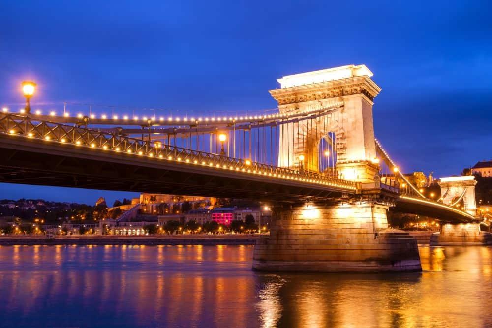 podul de lanturi budapesta