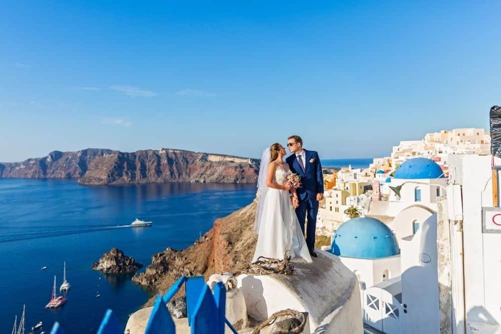 Cum să te căsătorești în Santorini