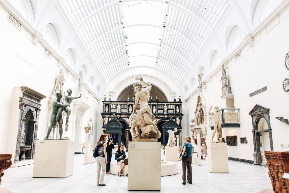 fotografii in muzeu