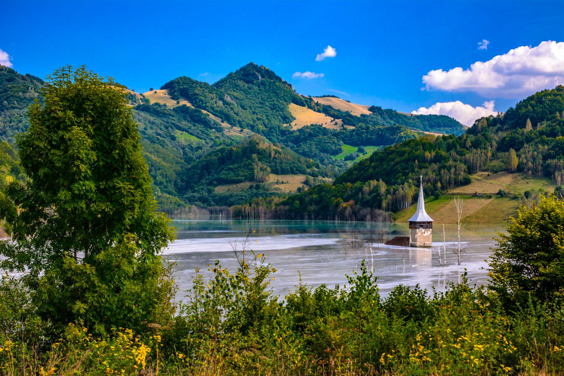 locuri neobișnuite de vizitat în românia