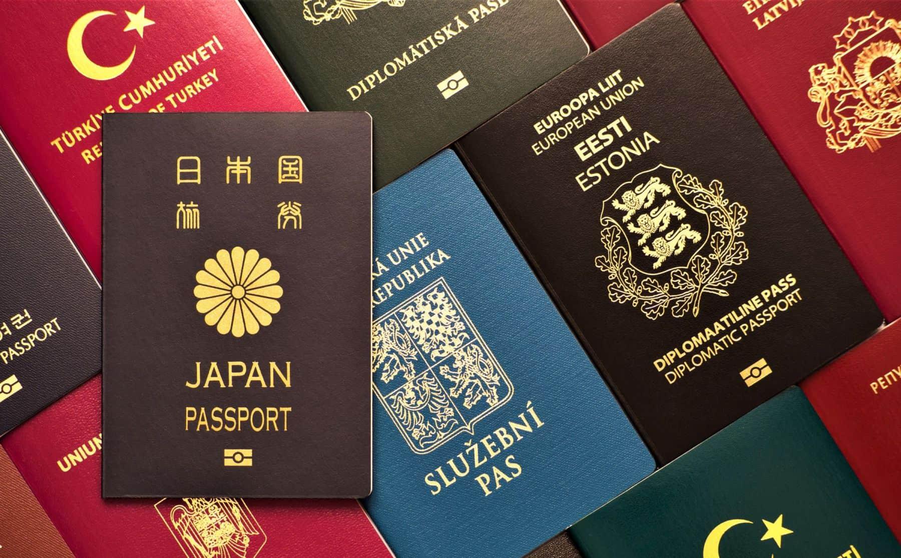 culori pasapoarte