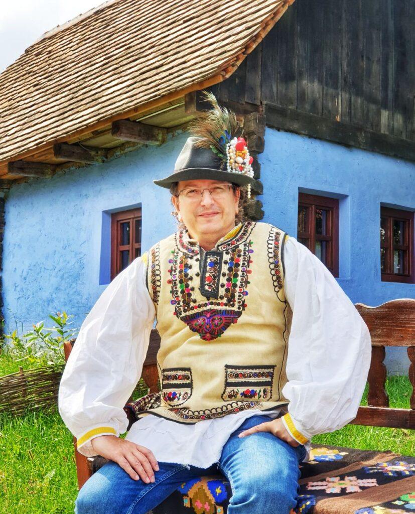 costum popular tara fagarasului