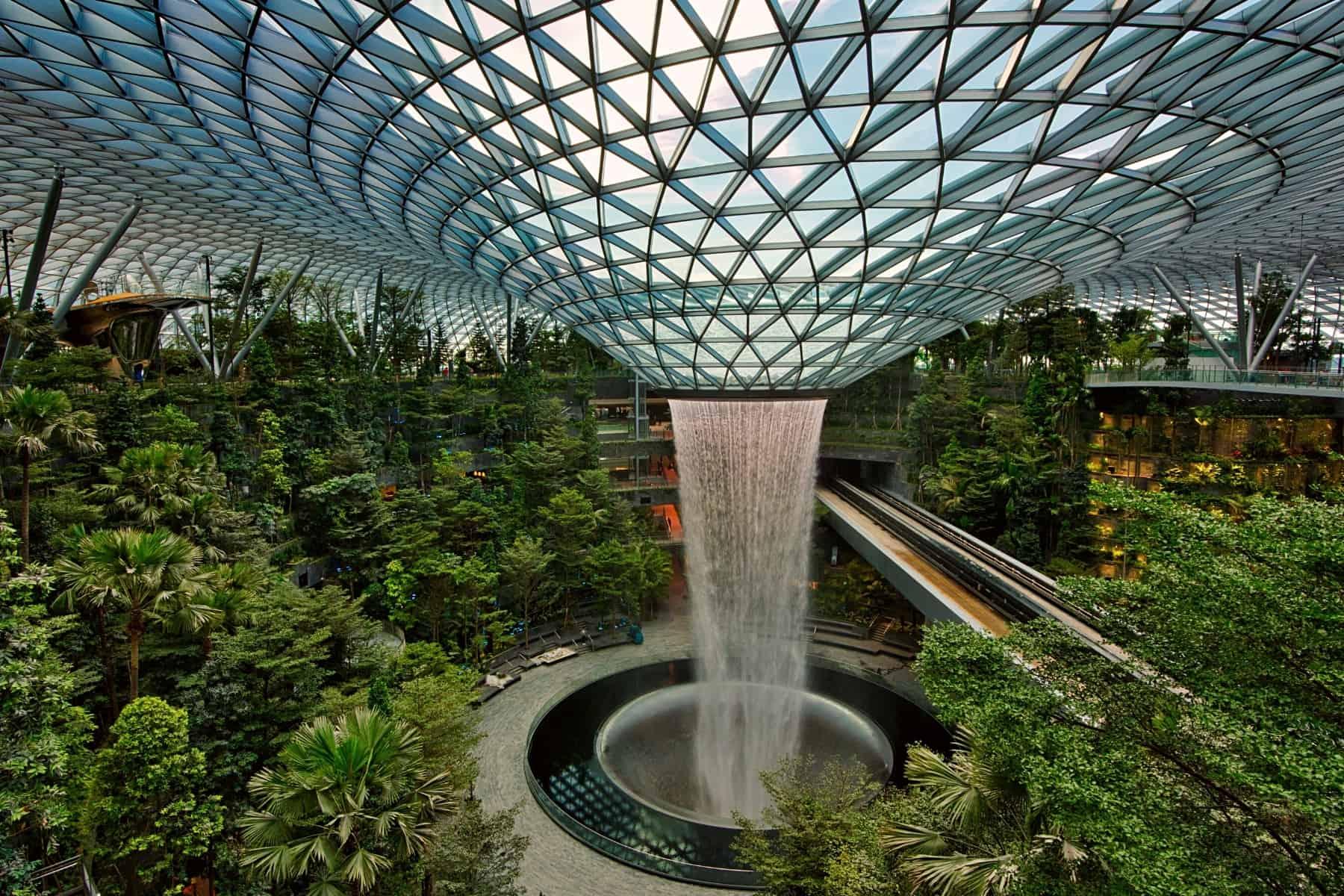 Aeroportul Changi, din Singapore